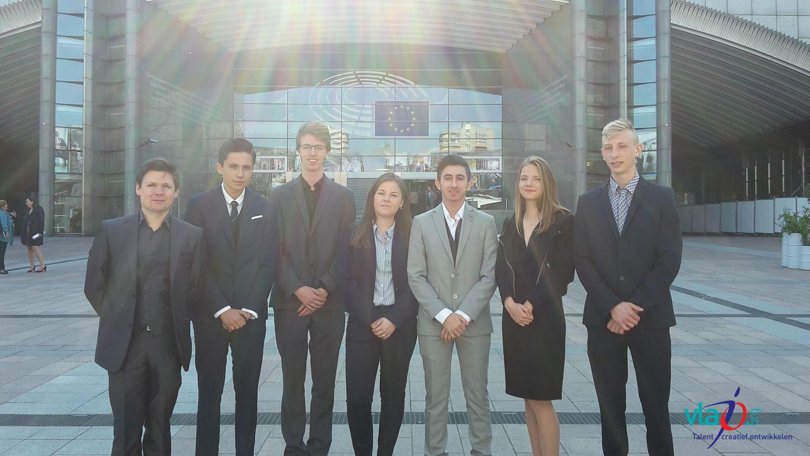 Vlajo-leerlingenteam in top 3 op Europese finale Sci Tech Challenge