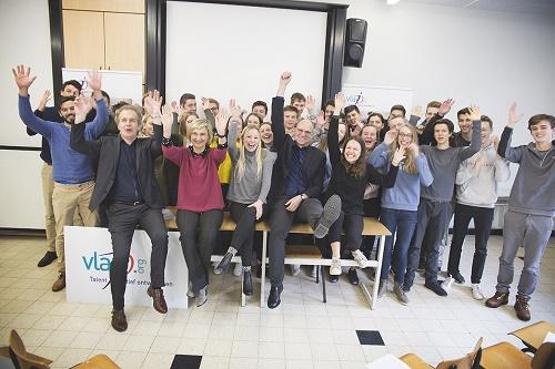 Minister Crevits en Hans Bourlon geven startschot voor Vlajo Ondernemers voor de Klas