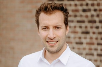 Nieuw VTM-programma 'Jonge Wolven' met Vlajo-alumnus  Matthias Browaeys