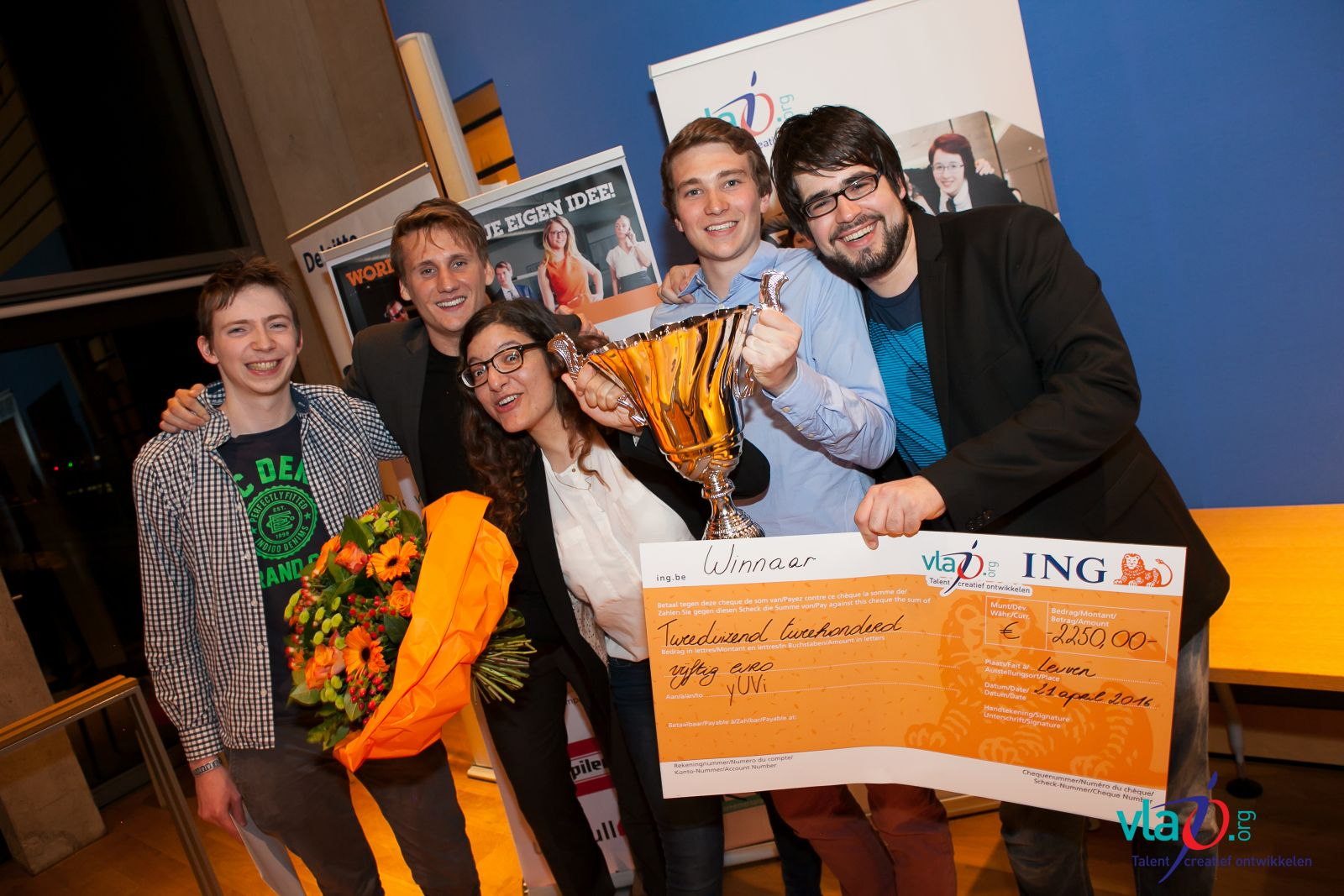 Kinderarmband 'yUVi' wint 7e editie Start Academy
