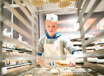 Meer dan 800 kinderen snuffelen rond in de kruidenierszaken van Albert Heijn