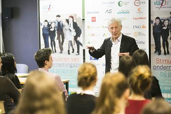 Herman Van de Velde trapt 'Ondernemers voor de Klas' op gang