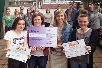 Competitieve leerkrachten spelen Vlajo Challenge